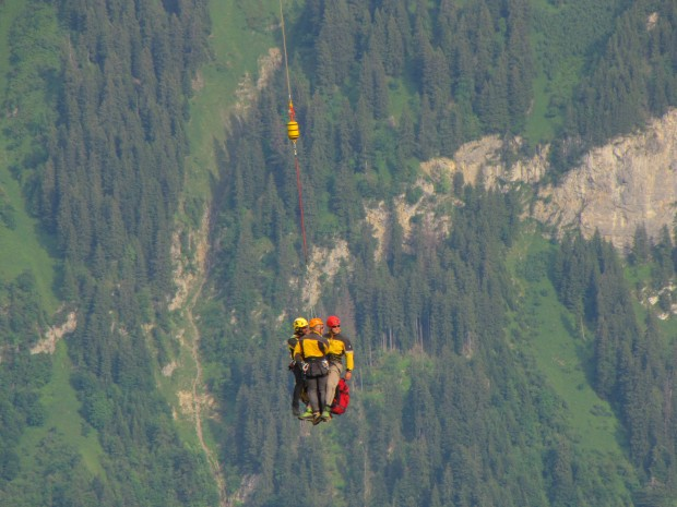 Heli transport to a rescue site